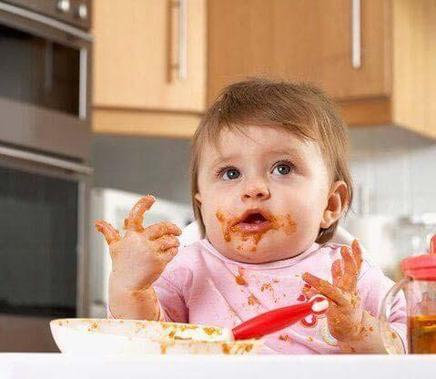 trẻ ăn bốc