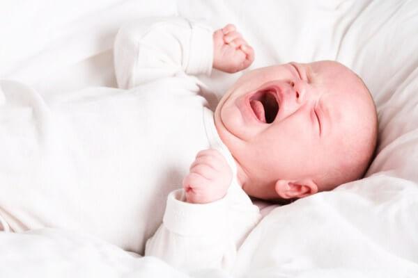 Mách mẹ nguyên nhân trẻ hay khóc đêm và các thông tin mẹ cần biết