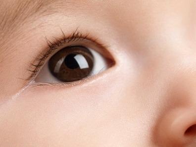 Thị lực kém và bệnh mù lòa ở trẻ nhỏ