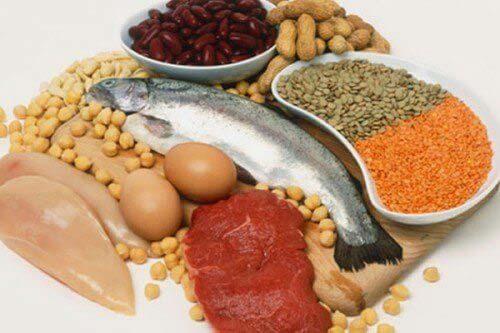 trị rụng tóc sau sinh với thực phẩm