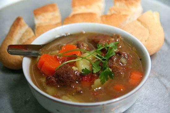 Món thịt bò sốt vang
