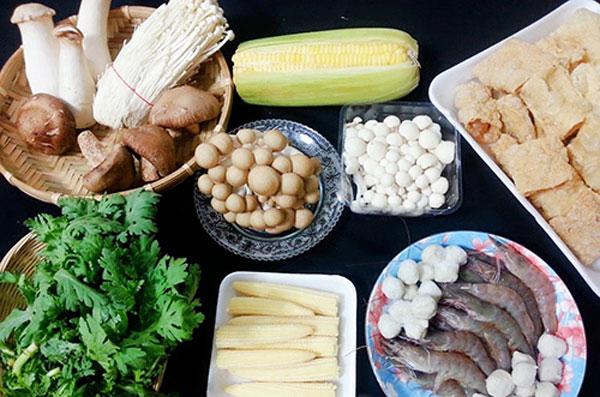 Nguyên liệu nấu lẩu nấm hải sản