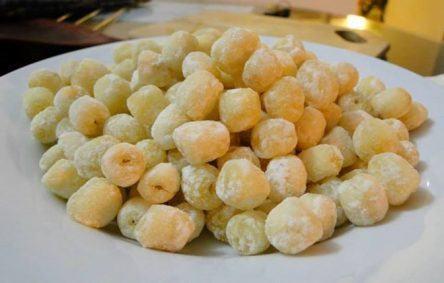 Món mứt hạt sen
