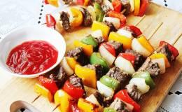 Cách làm thịt xiên que nướng rau củ bbq thơm ngon điếc mũi