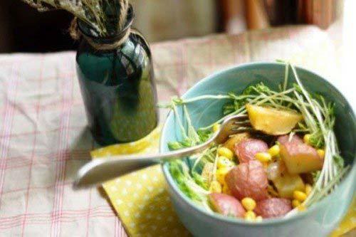 Món salad khoai tây nướng