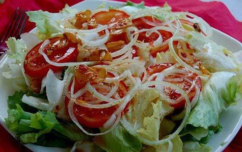 Món salad trộn dầu giấm đã xong