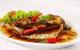 Cách kho cá nục ngon với tỏi ớt rất đậm vị lại cực bén cơm