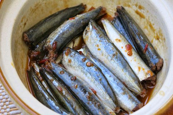 Ướp gia vị cho cá nục