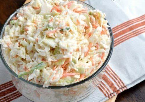 Món salad bắp cải trộn đã xong