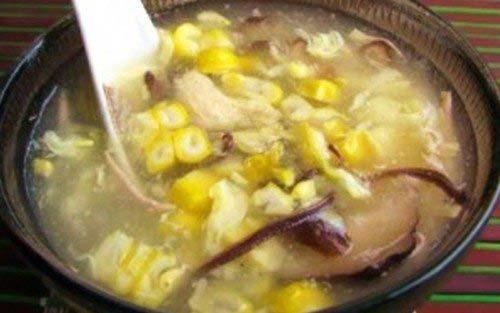 Súp gà nấm hương thơm ngon đã xong