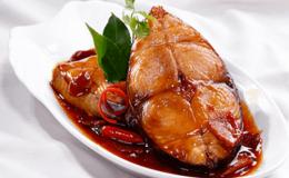 Cách kho cá ngừ ngon đậm đà và lạ miệng vô cùng bén cơm