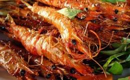 2 Cách làm tôm nướng muối ớt cay giòn bằng lò nướng hoặc bếp than hoa