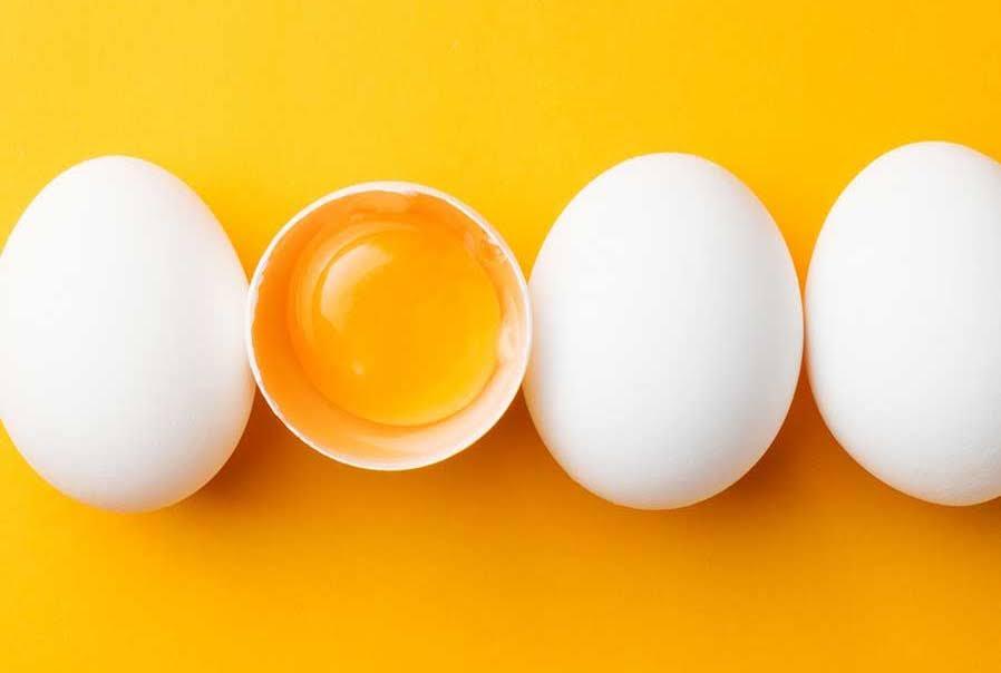 làm mặt nạ từ trứng gà trắng da trị nám