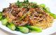 Hướng dẫn cách làm mì xào rau cải với thịt bò cho bữa ăn ngon miệng