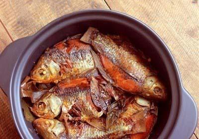 Cách kho cá diếc ngon