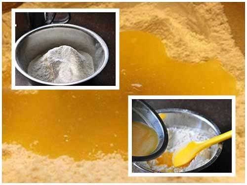 Hòa tan bột và hỗn hợp trứng rồi sau đó mang ủ