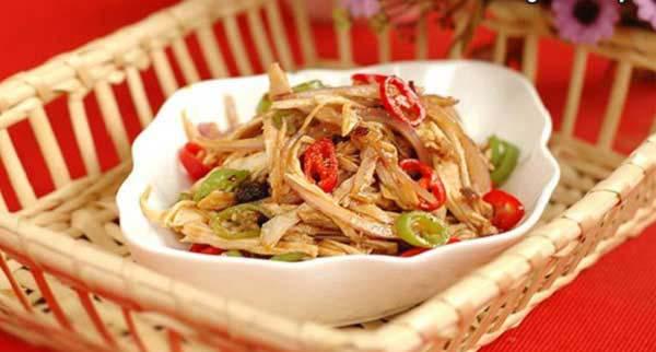 Hướng dẫn cách làm salad gà cay
