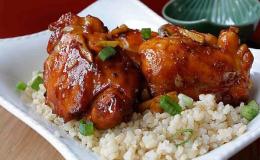 Cách làm gà kho tiêu ngon đậm đà cho bữa cơm gia đình thêm hương vị
