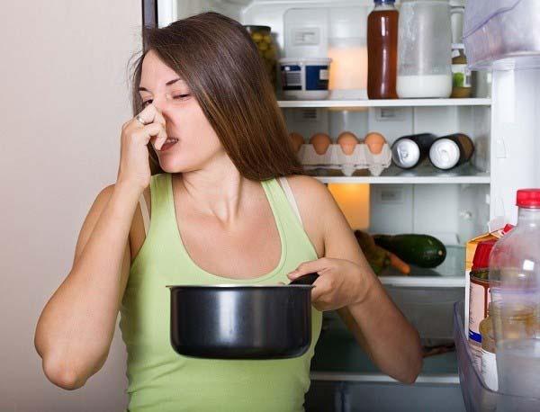 Các mẹo khử mùi hôi trong tủ lạnh