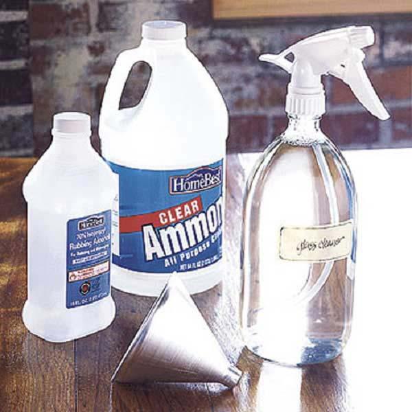Đánh sạch cửa kính bằng amoniac