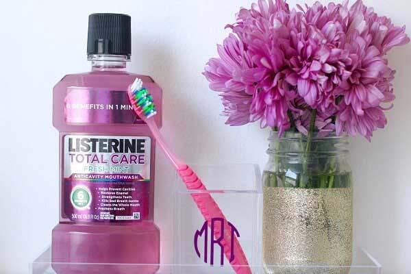 Pha listerine vào nước cắm hoa