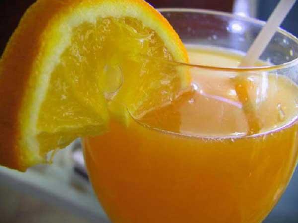 Giải rượu bằng nước cam pha mật ong