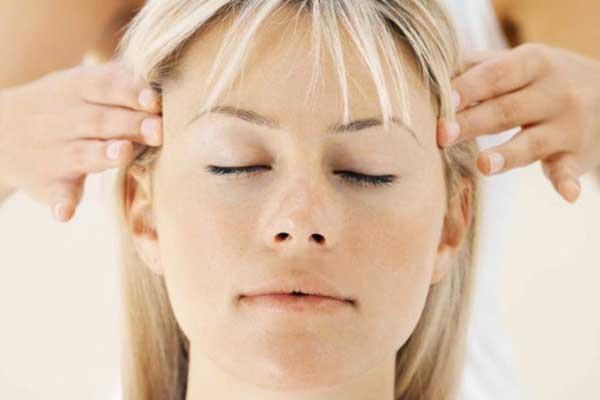 Giảm đau đầu bằng cách xoa bóp