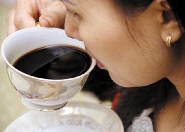 Uống cafe trị đau đầu hiệu quả
