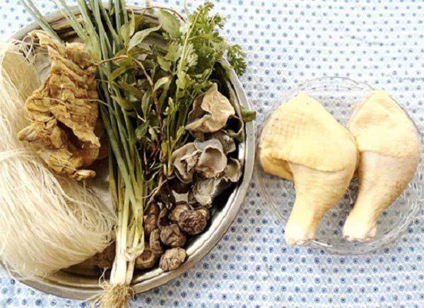 Cách nấu miến gà măng khô ngon: Nguyên liệu cần chuẩn bị