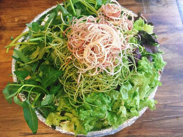 rau ăn kèm với lẩu ốc
