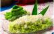 Bí quyết nấu xôi dừa lá dứa cho ngày Tết đầy màu sắc
