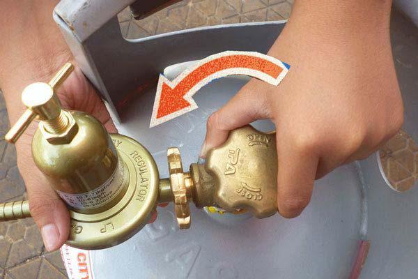 Tắt bếp và khóa van gas để bảo đảm an toàn của bạn
