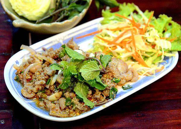 Món lạp trong ngày tết Songkran của người Lào