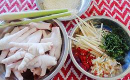 Cách làm chân gà sả ớt sần sật ăn là nghiền