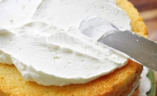 làm bánh kem tại nhà