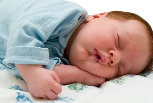 Trẻ biếng ăn ít ngủ