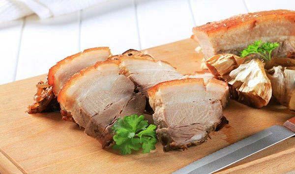 Cách làm thịt heo quay da giòn tại nhà với lò nướng