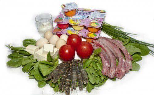 Cho trẻ ăn dặm đầy đủ dinh dưỡng