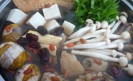 Cách nấu lẩu hột vịt lộn thơm ngon, đúng điệu