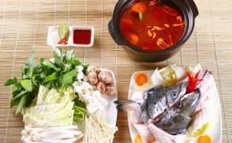 Cách nấu lẩu đầu cá hồi măng chua cay ngon đơn giản tại nhà