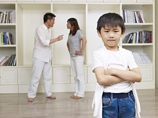 Làm tấm gương sáng cho trẻ