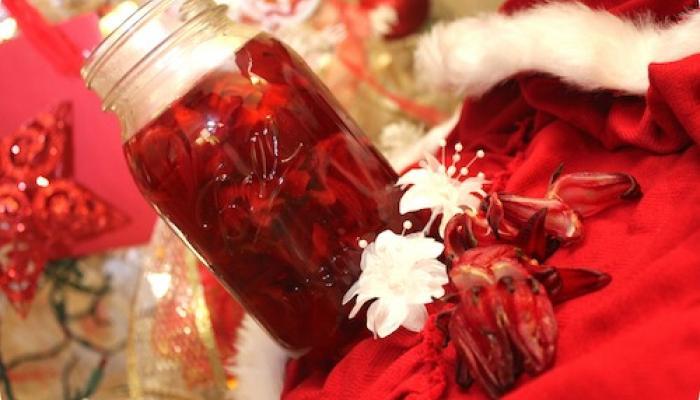 Nấu mứt hoa hồng
