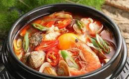Cách nấu lẩu thái hải sản vị chua cay tuyệt ngon