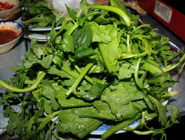 Các loại rau ăn với lẩu đuôi