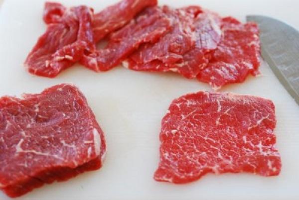 Thịt bò nấu với lẩu gân bò
