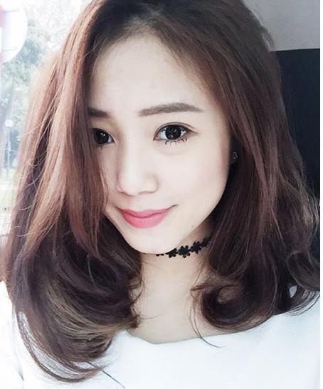 Tóc mái dài uốn retro