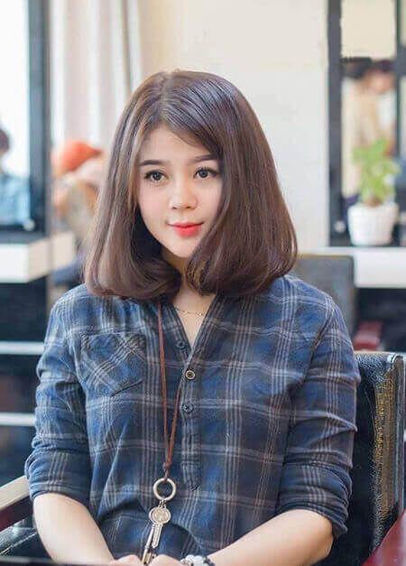 Kiểu tóc ngắn xoăn cho gương mặt tròn