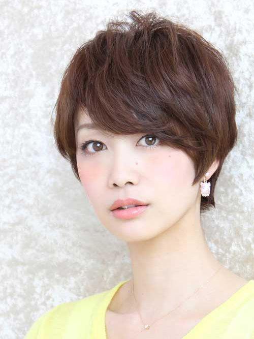 Kiểu tóc tém cho mặt dài