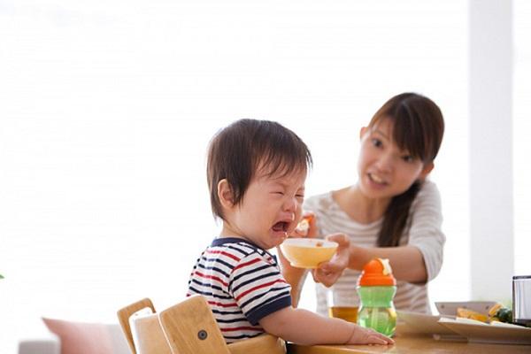 Chăm con bằng phương pháp truyền miệng