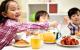 Những thói quen của cha mẹ ảnh hưởng nghiêm trọng đến con cái